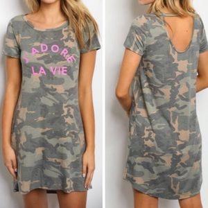 Dresses & Skirts - 💃🏻J'Adore La Vie Graphic Tee Dress